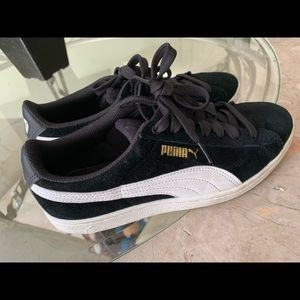 Puma tennis shoes